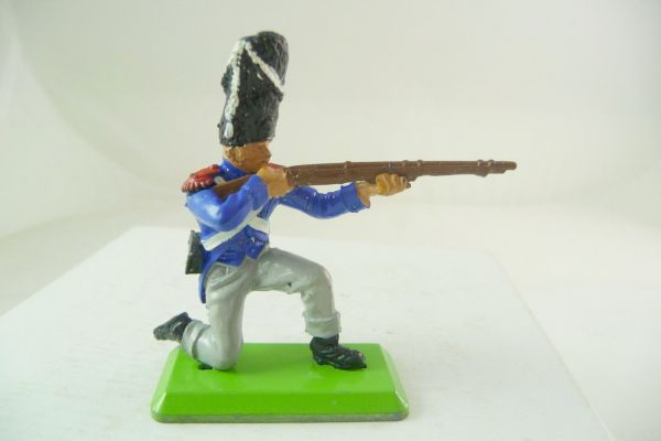 Britains Deetail Waterloo; French soldier kneeling firing (movable arm)