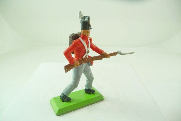 Britains Deetail Englishman (with backpack) going ahead with bayonet - brand new