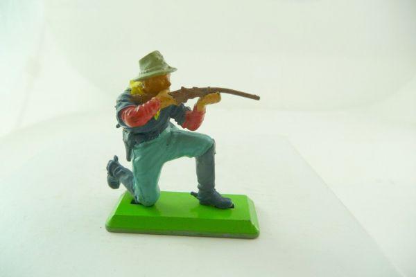 Britains Deetail 7. Kavallerie Soldat kniend schießend