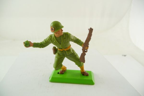 Britains Deetail American soldier with rifle and hand grenade