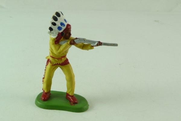 Britains / Herald Indian standing, firing with rifle (base plate repaired)