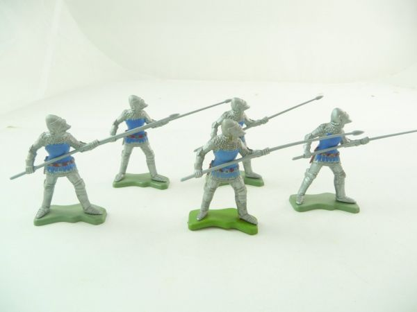 Britains Deetail 5 knights going ahead with spear / lance, silver/blue