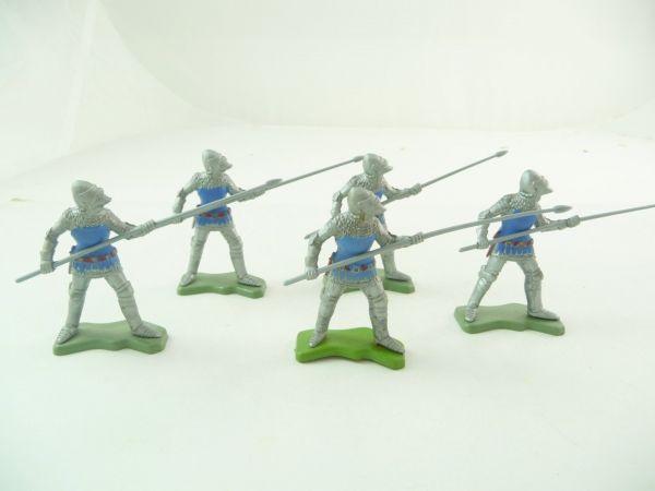 Britains Deetail 5 Ritter mit Speer / Lanze vorgehend, silber/blau