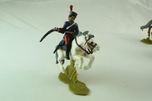Britains Deetail Waterloo; soldier mounted, firing with rifle sideways