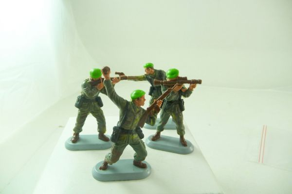 Britains Deetail Marine Commandos; 4 soldiers (complete set)