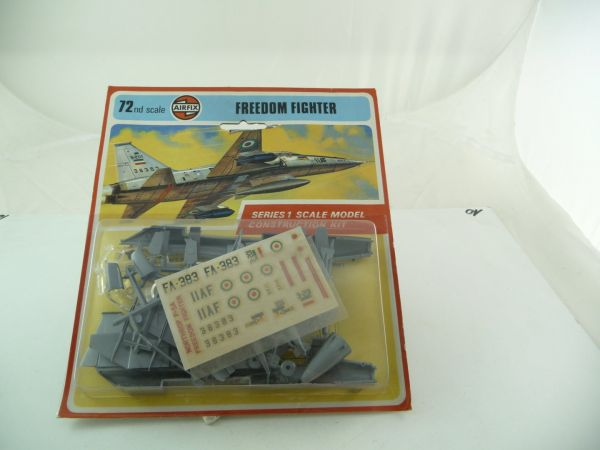 Airfix 1:72 FREEDOM FIGHTER - Series 1, Scale Model Construction Kit