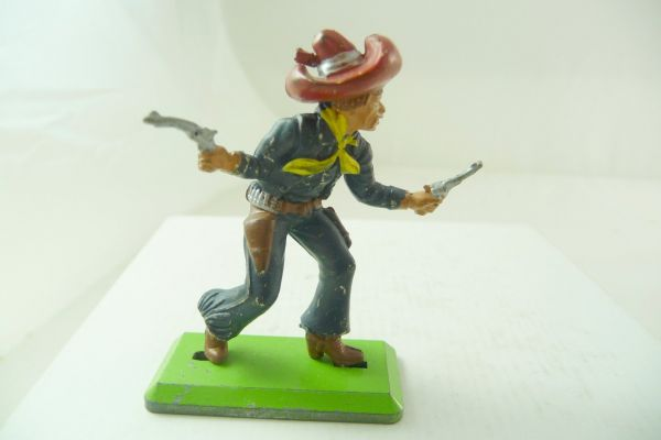 Britains Deetail Mexican going ahead with 2 pistols