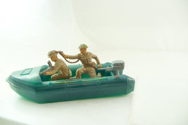Britains Deetail Dinghy with 2 English soldiers - rear soldier loose