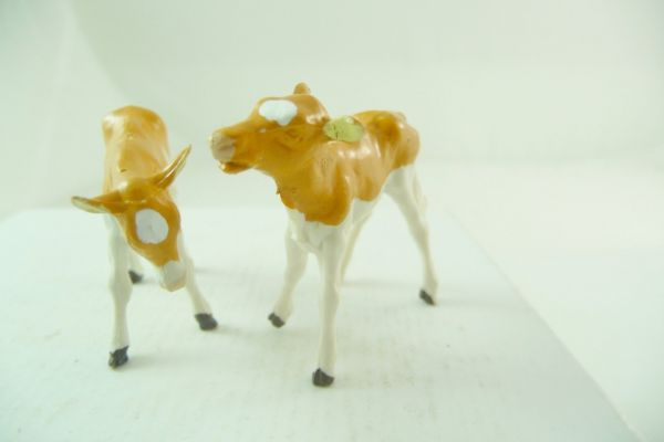 Britains 2 calves, brown/white - rare positions
