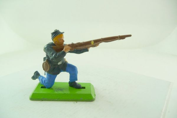 Britains Deetail Union army soldier kneeling firing (movable arm) - brand new