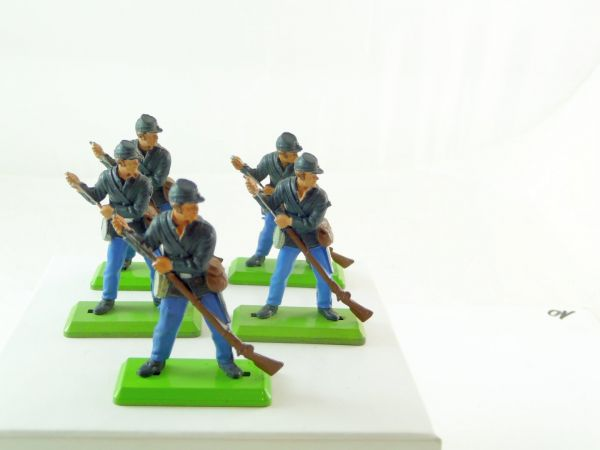 Britains Deetail 5 Union Army soldiers loading rifles