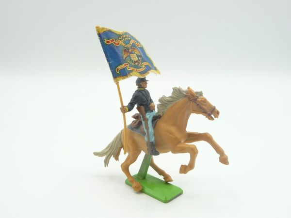 Britains Deetail Union Army soldier riding with flag - great horse