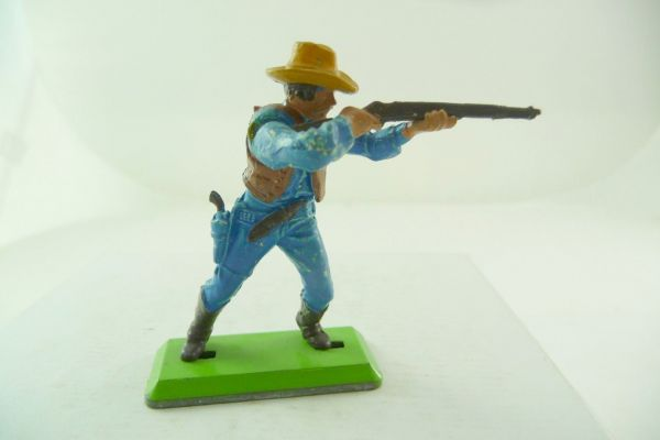 Britains Deetail Cowboy standing firing, medium-blue - rare