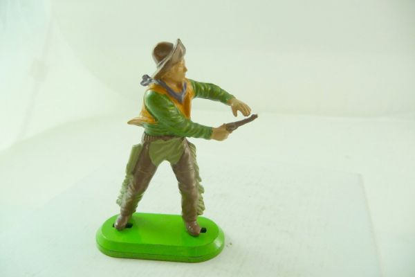 Britains Deetail Cowboy pulling pistol (made in China) - brand new