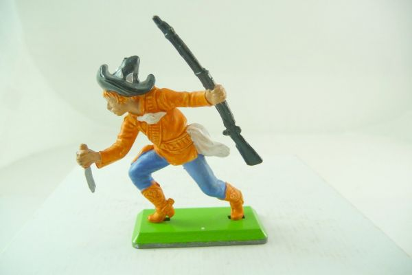 Britains Deetail Mexican with rifle + knife leading, orange