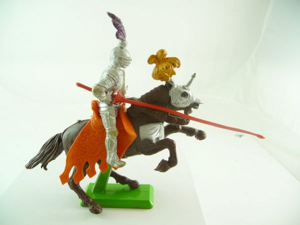 Britains Deetail Knight 1st version riding with lance - extremely rare saddlecloth