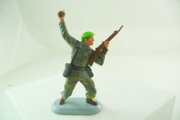 Britains Deetail Soldier Marine Commandos, No. 6320, with hand grenade + rifle