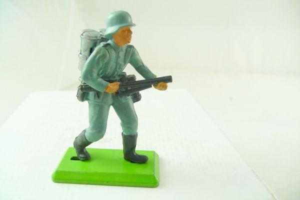 Britains Deetail German soldier with flamethrower