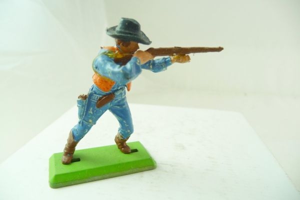 Britains Deetail Cowboy standing, firing rifle