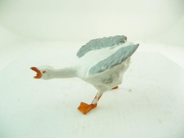 Britains Goose, cackling