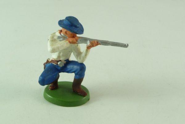 Britains / Herald Cowboy kneeling, firing