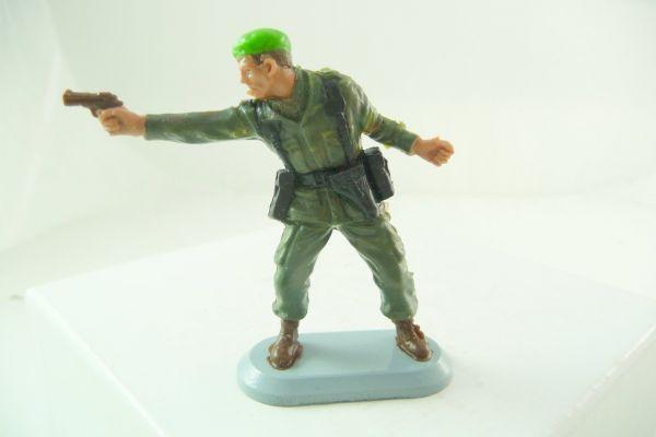 Britains Deetail Soldier Marine Commandos, No. 6320, firing with pistol