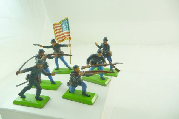 Britains Deetail Set of Union Army soldiers (6 figures)