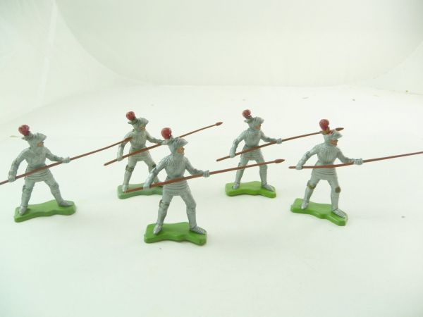 Britains Deetail 5 knights going ahead with spear / lance, silver / red plume