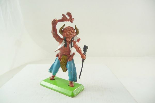 Britains Deetail Medicine man with rifle + tomahawk