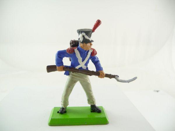 Britains Deetail Waterloo, Franzose stehend mit Gewehr vor dem Körper