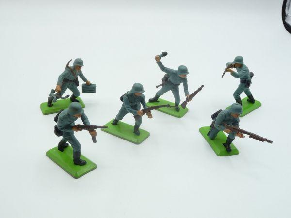 Britains Deetail German soldiers 1st version (6 figures) - complete set