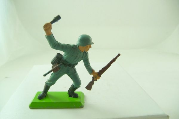 Britains Deetail Soldier with rifle + stick grenade