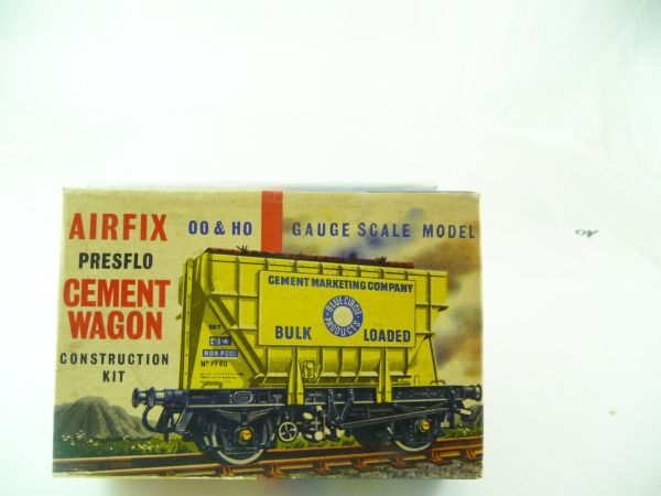 Airfix H0 Cement Wagon Construction Kit Series 1