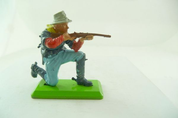 Britains Deetail 7. Cavalry soldier kneeling firing