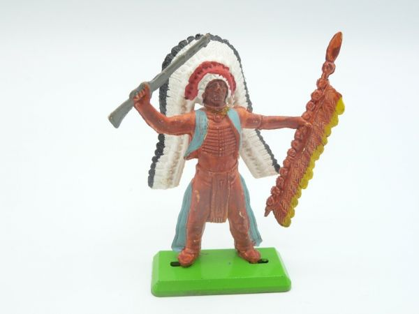 Britains Deetail Chief 2nd version standing with rifle + spear