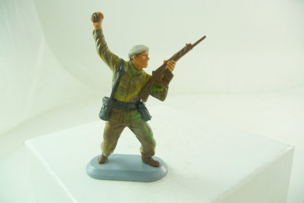 Britains Deetail Soldier SAS, air force, with hand grenade + rifle