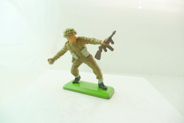 Britains Deetail German soldier Africa Corps kneeling firing (movable arm)
