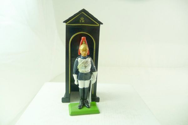 Britains Guardsman in the guardhouse - top condition