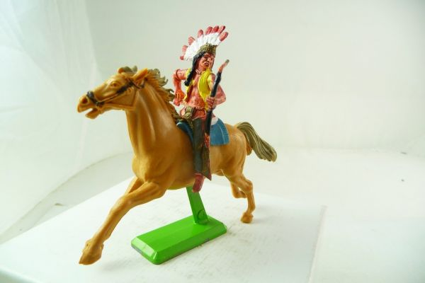 Britains Deetail Indian riding with bow