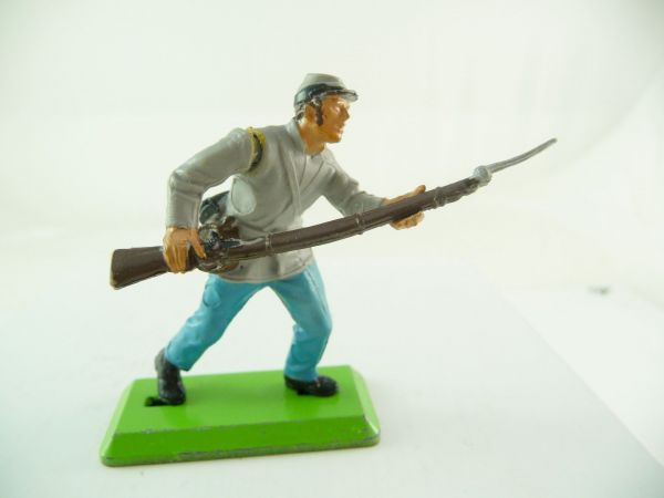 Britains Deetail Confederate Army soldier storming with rifle, movable arm