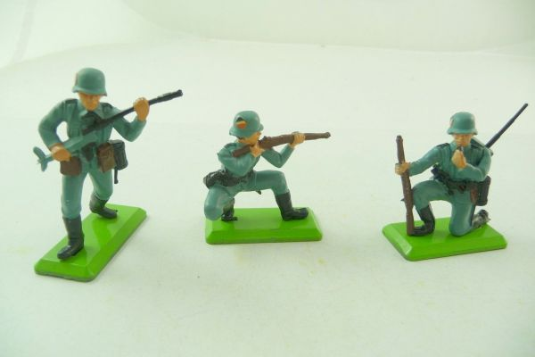 Britains Deetail 3 different German soldiers 2nd version - brand new