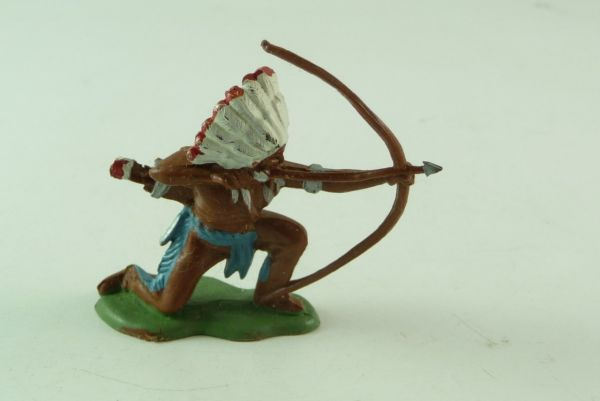 Britains / Herald Indian standing, shooting with bow
