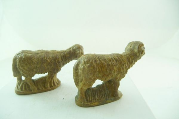 2 sheep (marked Germany) (height 4,5 cm)