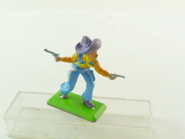 Britains Deetail Mexican standing, firing wild with 2 pistols