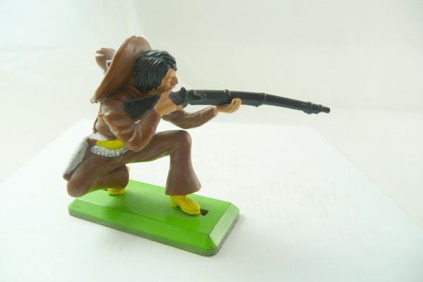 Britains Deetail Mexican kneeling firing, dark-brown - great colour combination