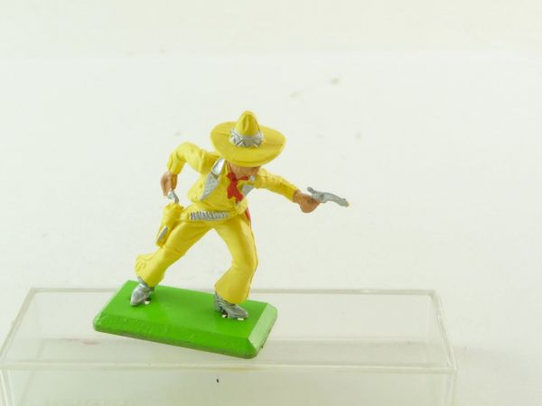 Britains Deetail Mexican standing, firing with pistol, yellow/silver - rare
