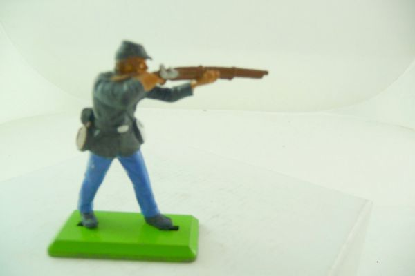 Britains Deetail Union army soldier standing firing (fixed arm) - brand new