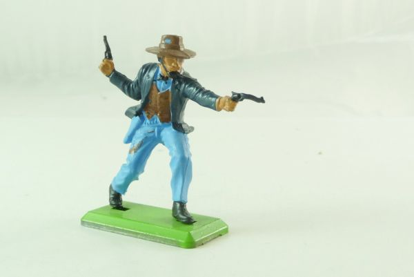 Britains Deetail Cowboy walking, firing wild with 2 pistols - rare colour