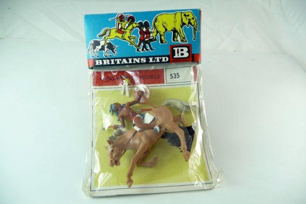 Britains Indianer reitend mit Tomahawk u. Speer auf Originalkarte Nr. 535