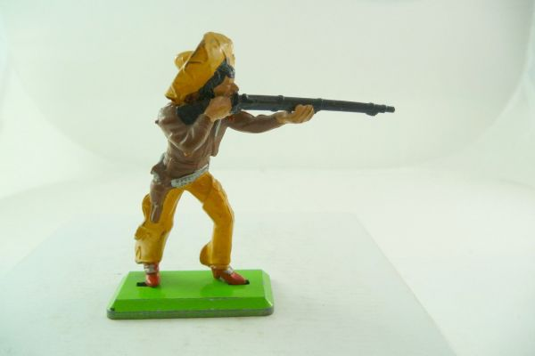 Britains Deetail Mexican standing firing, brown/orange